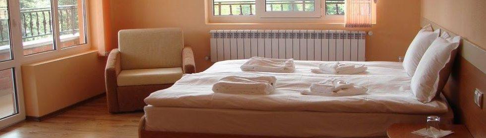 Цена: 120,00 лв. Стая лукс (спалня с джакузи)